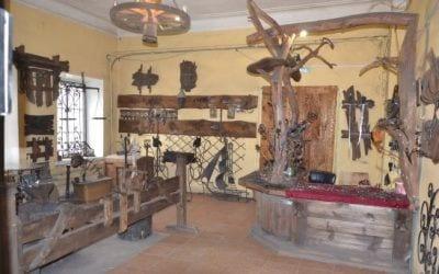 Экскурсия в Мышкин: Дом ремесел - кузнечная и гончарная мастерская